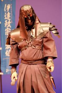上杉の軒猿衆から伊達の黒脛巾組へと変貌した奉行新衣装。